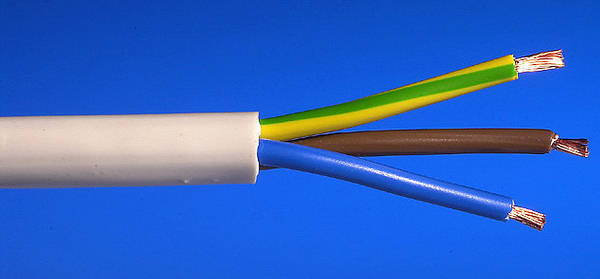 1 And 3 Core Cable : Mm² core pvc flex white m
