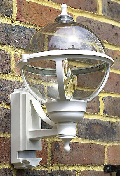 100w Bc Globe Lantern White With Pir