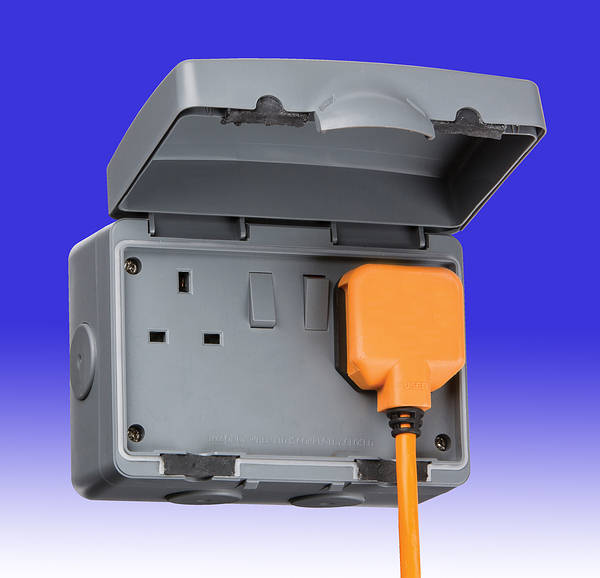 13 Amp 2 Gang Dp Switched Outdoor Socket