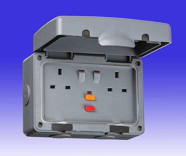 13 Amp 2 Gang Dp Rcd Switched Outdoor Socket Ip66