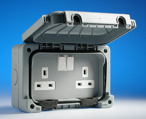 13 Amp Weatherproof 2 Gang Switched Socket - IP56