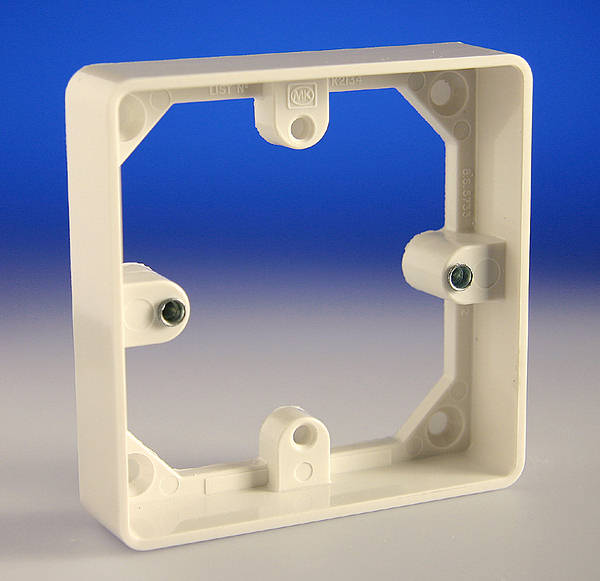 1 Gang Trunking Mounting Frame    20mm Spacer