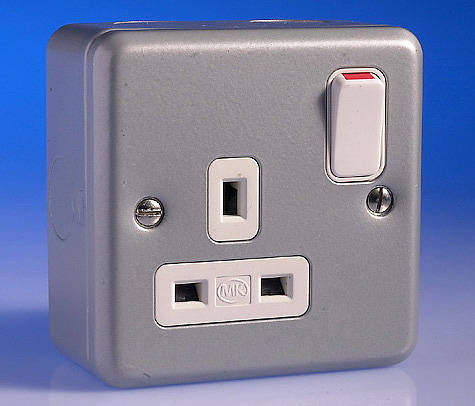 3 4 Plugs >> 13 Amp Metal Clad Double Twin Single Switched Sockets