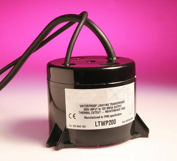 Hortons Lighting Outlet: 240v To 12v Weatherproof Lighting Transformer