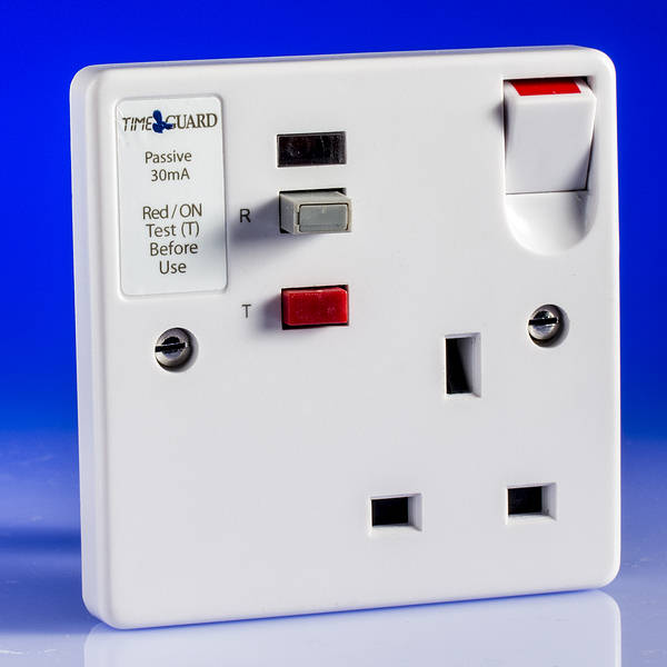 13 Amp 1 Gang Single Rcd Switched Socket White
