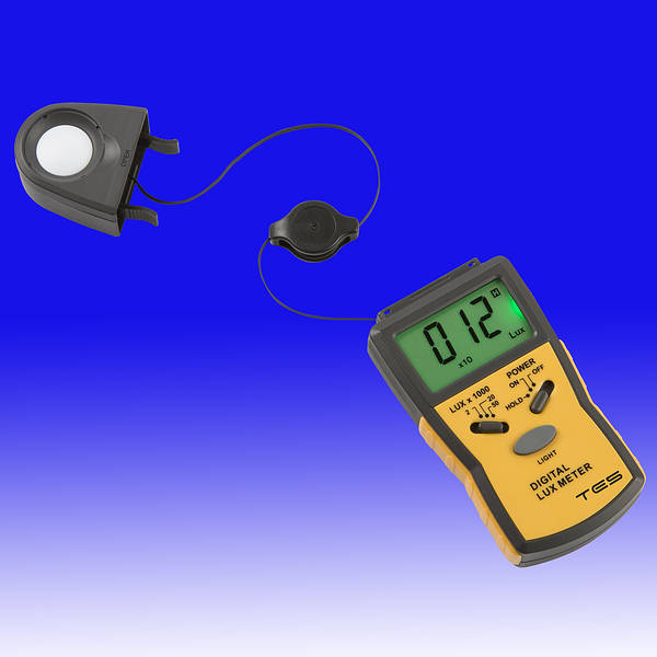 how to read a digital lux meter