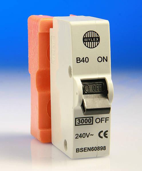 ORANGE WYLEX 40A Type B Push//Plug-In Circuit Breaker ~B40 40 Amp MCB
